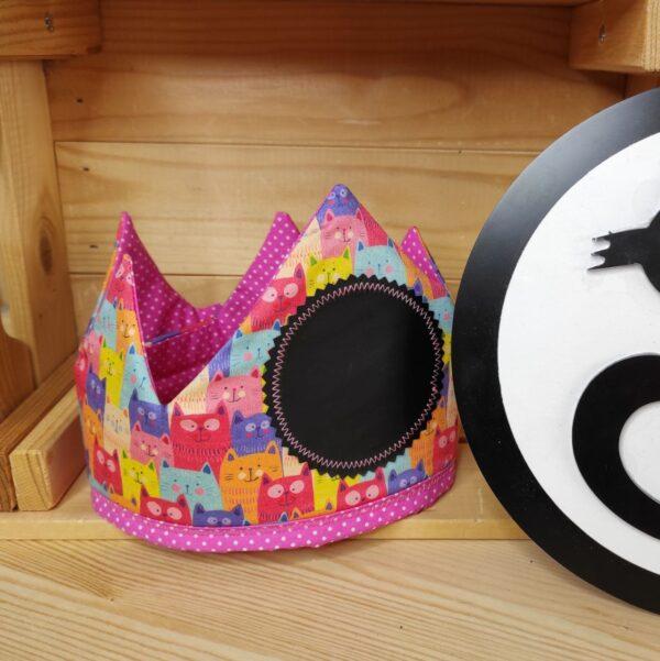 corona cumpleaños gatos colores